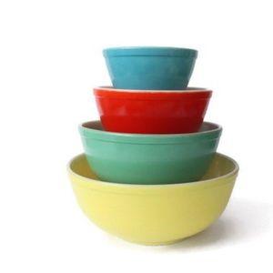 Pyrex Kitchen - Pyrex Primary Colors Mixing Bowl Set / 4 Vintage P